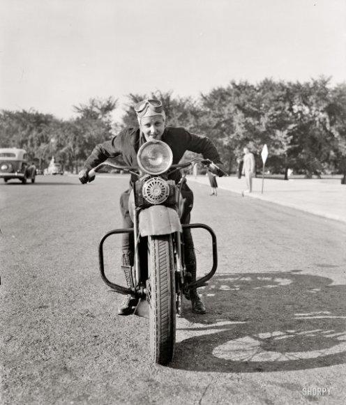 femalecyclist